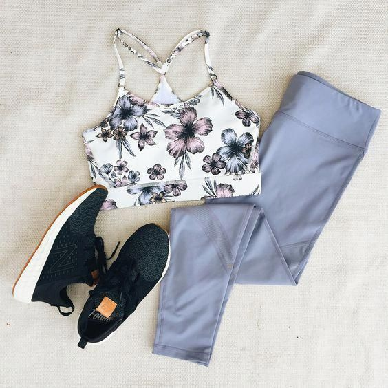 i n s t a // @hearty.n.healthy Visit www.spasterfield.com for more summer #activewear #flatlay outfi...