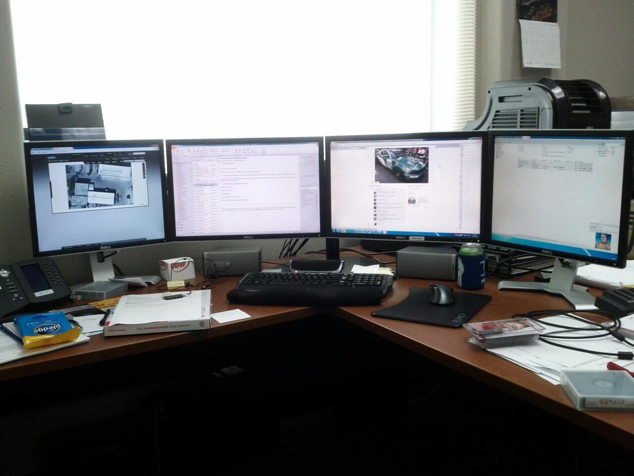 4 monitor setup multi monitor setup i like computer setup rh pinterest com