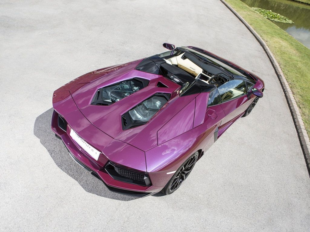 Aventador LP 7004 Roadster