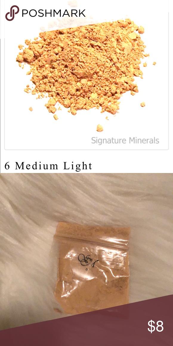 Signature Minerals Makeup Powder Foundation NWT Powder