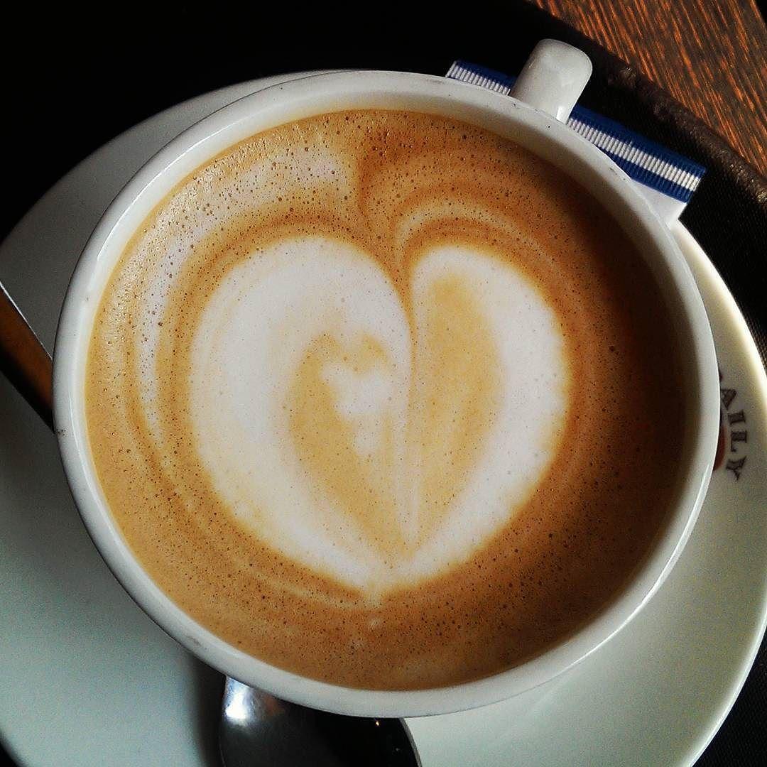 #coffee #caffeine #caffeinefix #kaffee  #break #hotdrink #coffeeart #heart by sweetfoodhouse
