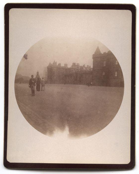 Edinburgh. Heolyrood Palace