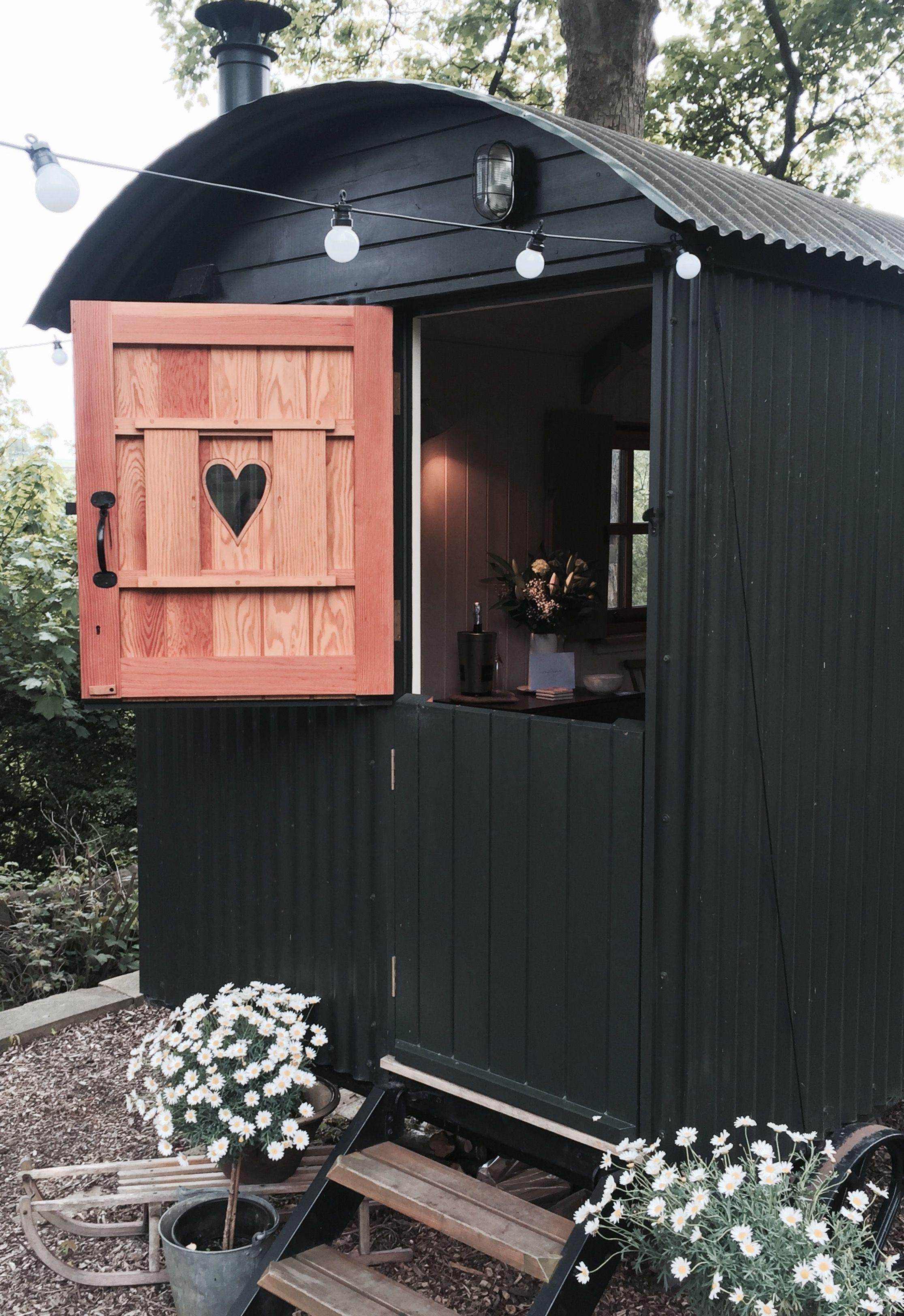 Eyam Shepherds hut ready for a honeymoon celebration....