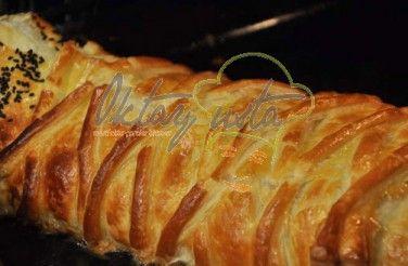 Ispanaklı Peynirli Milföy Börek