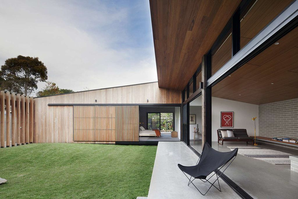 Hover House by Bower Architecture neatly combines thermal mass and