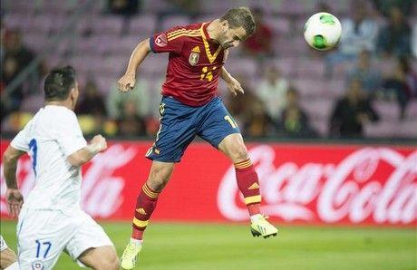Navas salva a España ante Chile (2-2)