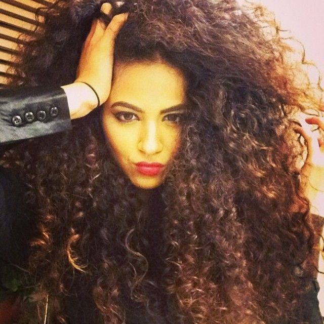 fusion hair styles the 25 best big curls ideas on volume 4018