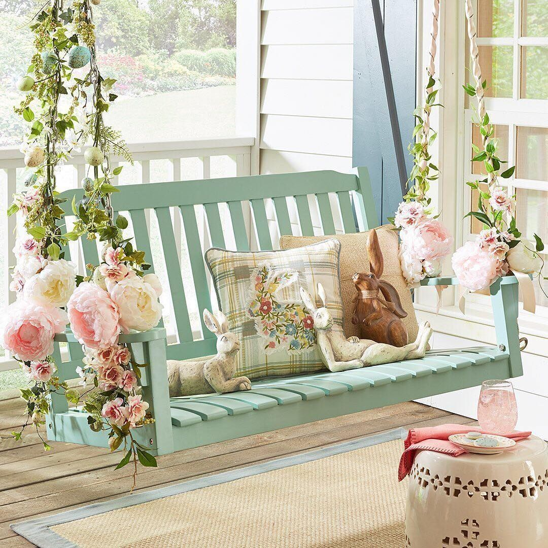32 Inspiring DIY Spring Decorating Idea for Porch - rengusuk.com -  Stunning 32 Inspiring DIY Spring Decorating Idea for Porch rengusuk.com/…  - #antiquedecor #apartmentdecor #bedroomdecor #decorating #DIY #homedecor #idea #inspiring #porch #rengusuk #rengusukcom #spring