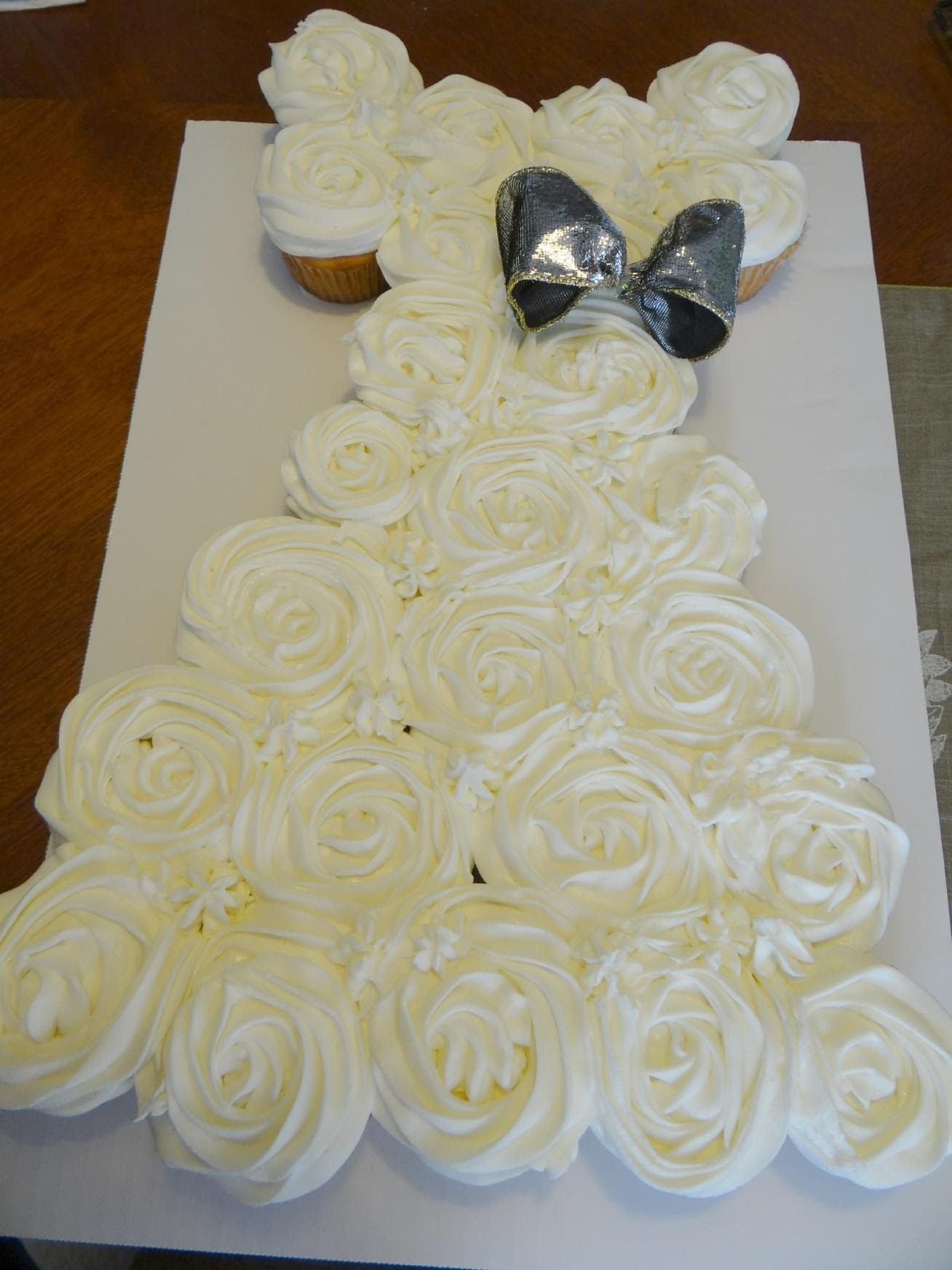 Wedding gown pull apart cupcake cake methodology fun for Wedding dress cupcake cake