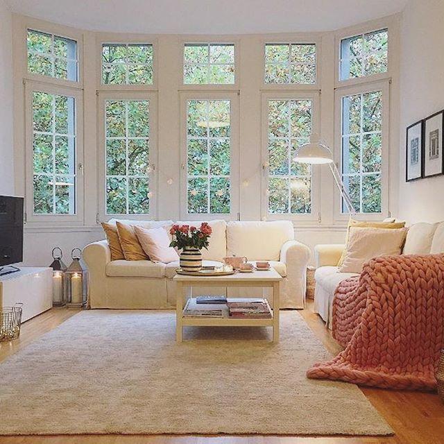 Soo gemütlich bei @bloggermaman_ im Wohnzimmer - wohnzimmer couch gemutlich