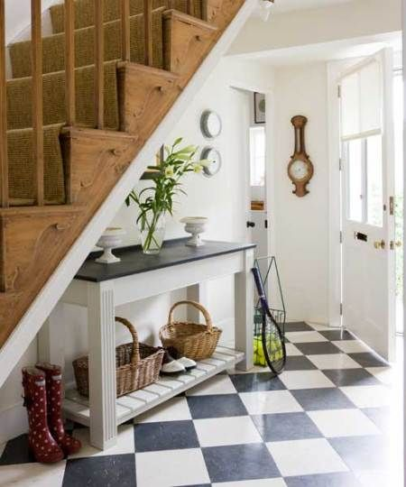 Can Re Create This Look Using Very Green Linoleum Tiles On Floor With Natural Sisal On Stairs Country House Interior Home House Interior