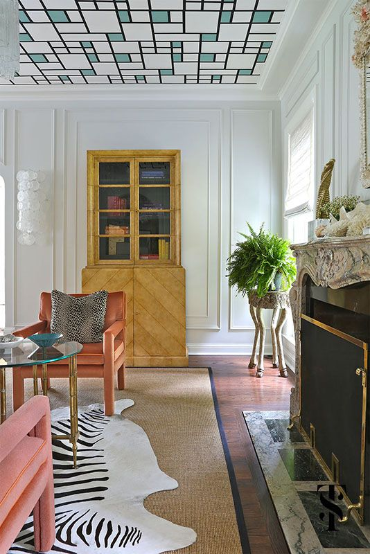 Nestled in the highly coveted CAGE neighborhood on brick-paved Chestnut street in Wilmette, this historical home had great bones but felt too traditional. The homeowner wanted color and curiosities throughout to create interest and to make the home feel personal. Interior by Summer Thornton Design