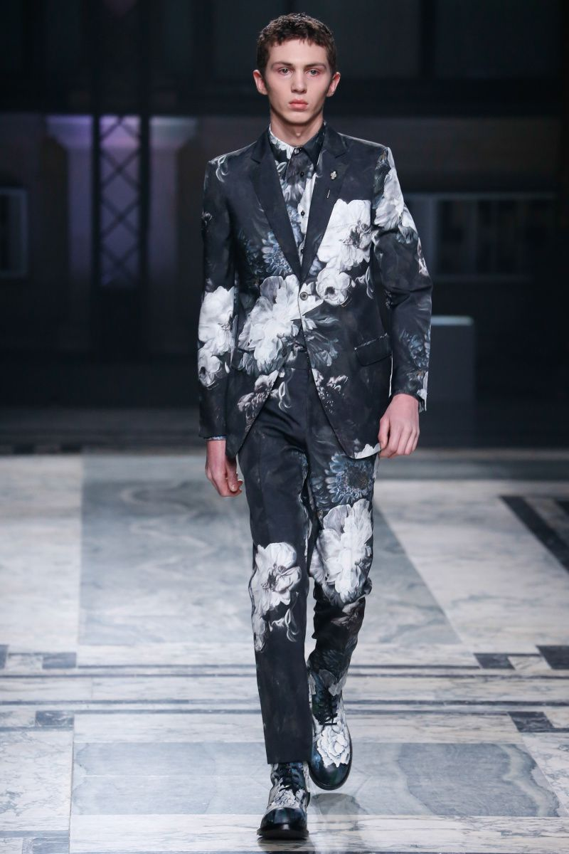 Alexander McQueen | Stylish mens fashion, Mens clothing