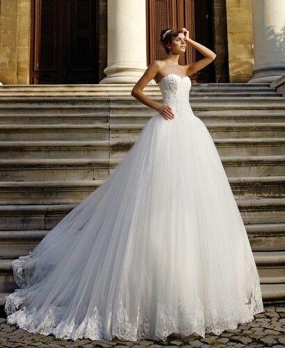 What A Charming Wedding Dress Woow Flashy