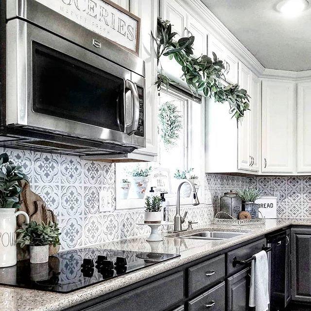 tiled kitchen backsplash using cutting edge stencils diy tile rh pinterest com