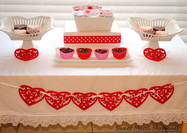 Simple ideas for a simple Vday party :)