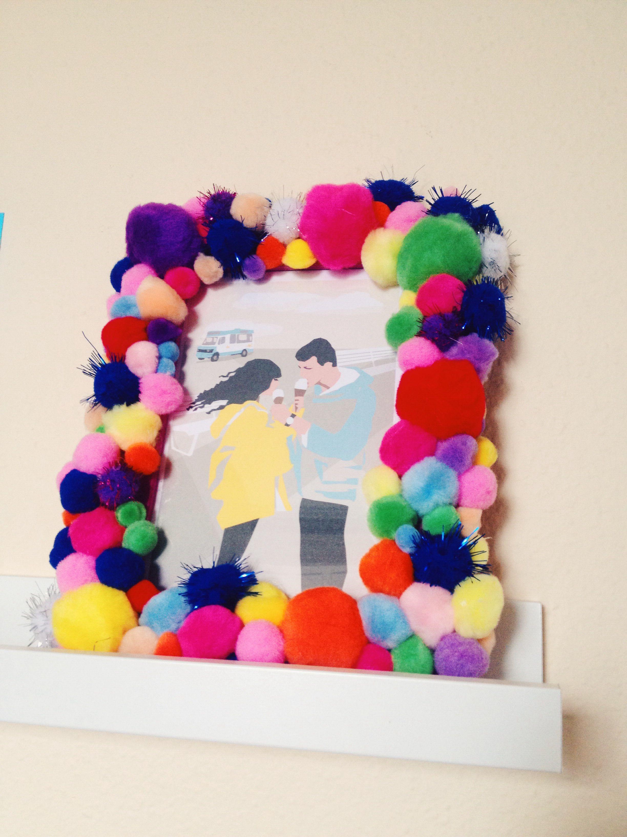 DIY Pom Pom picture frame | craft | Pinterest | Crafty and Craft