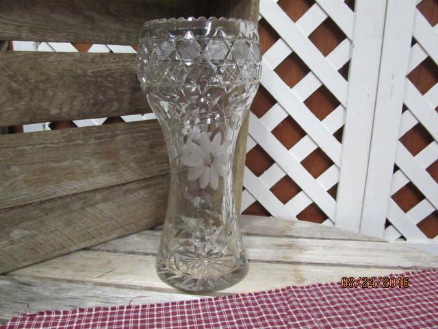 Vintage Beautiful Heavy Etched Crystal Vase 12 Tall Flowers