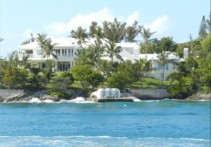 waterfront property in bermuda enchanting bermuda pinterest rh pinterest com