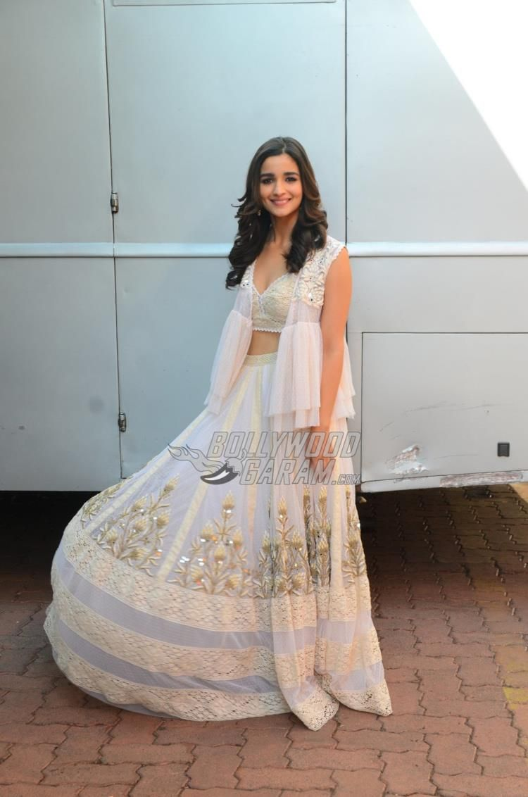 Alia Bhatt on sets of Dil Hai Hindustani | Alia | Pinterest ...