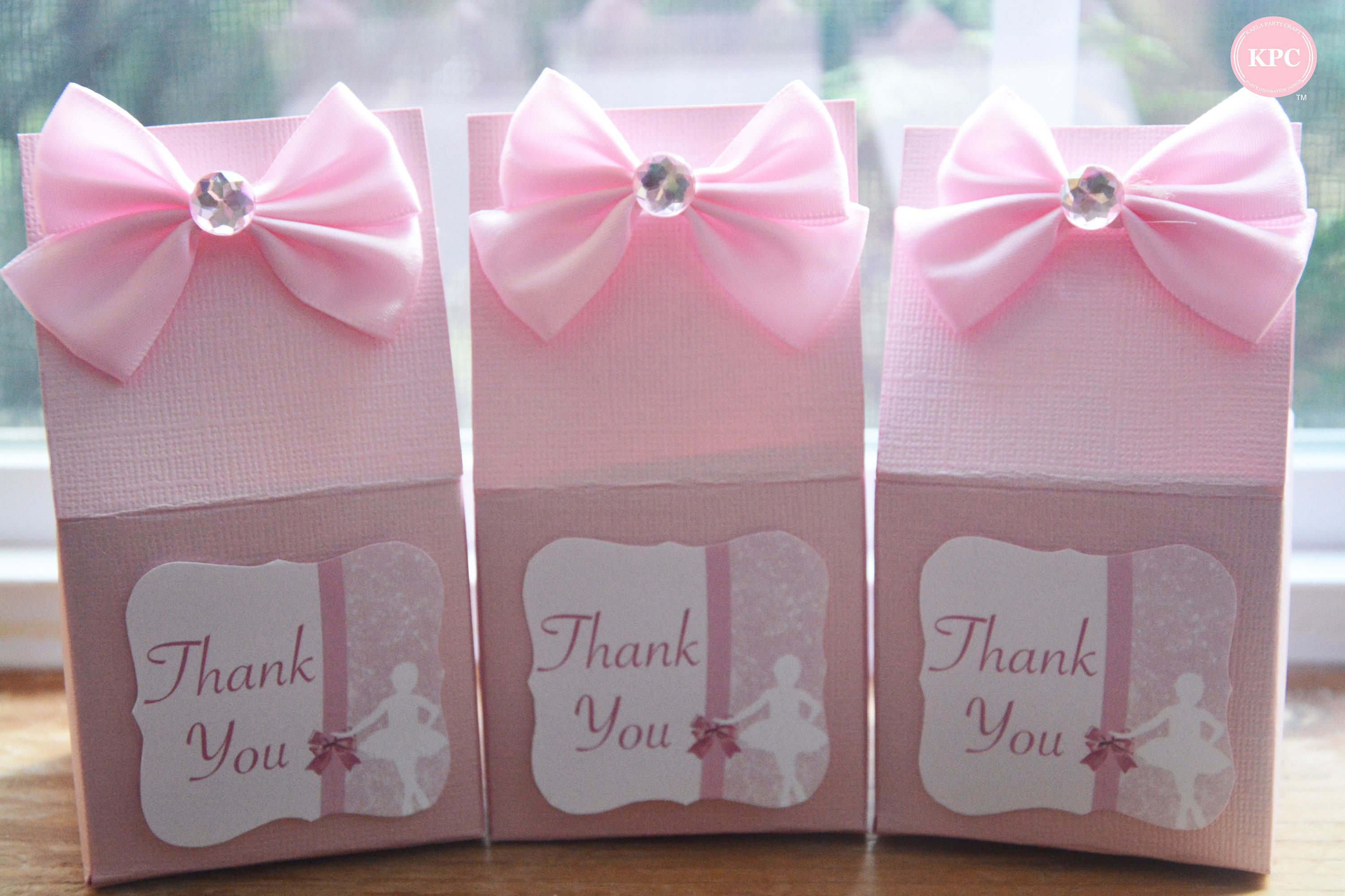 gifts to give for bridal shower games%0A Baby shower games