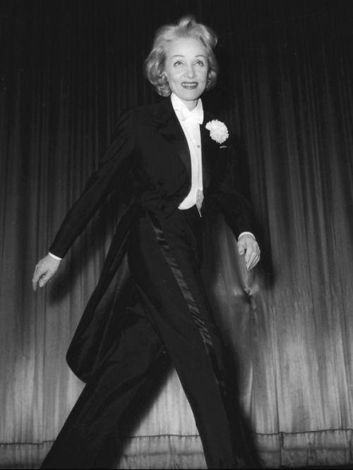 Marlene Dietrich on stage, 1950′s