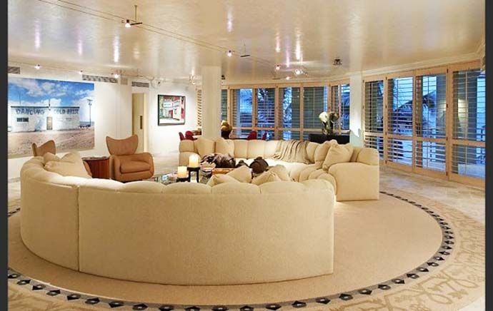 10 Suggestions For Amazing Living Rooms With Large Windows Round