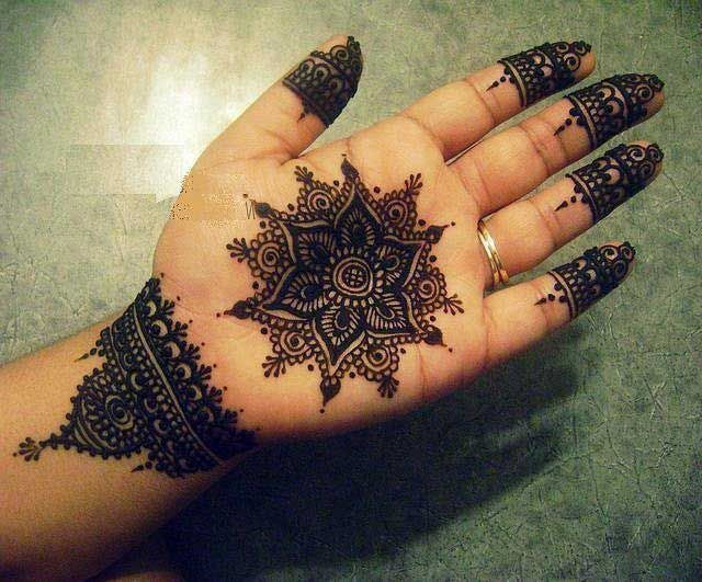 Mehndi Front Hand : Floral tikki style mehndi marudhani henna designs