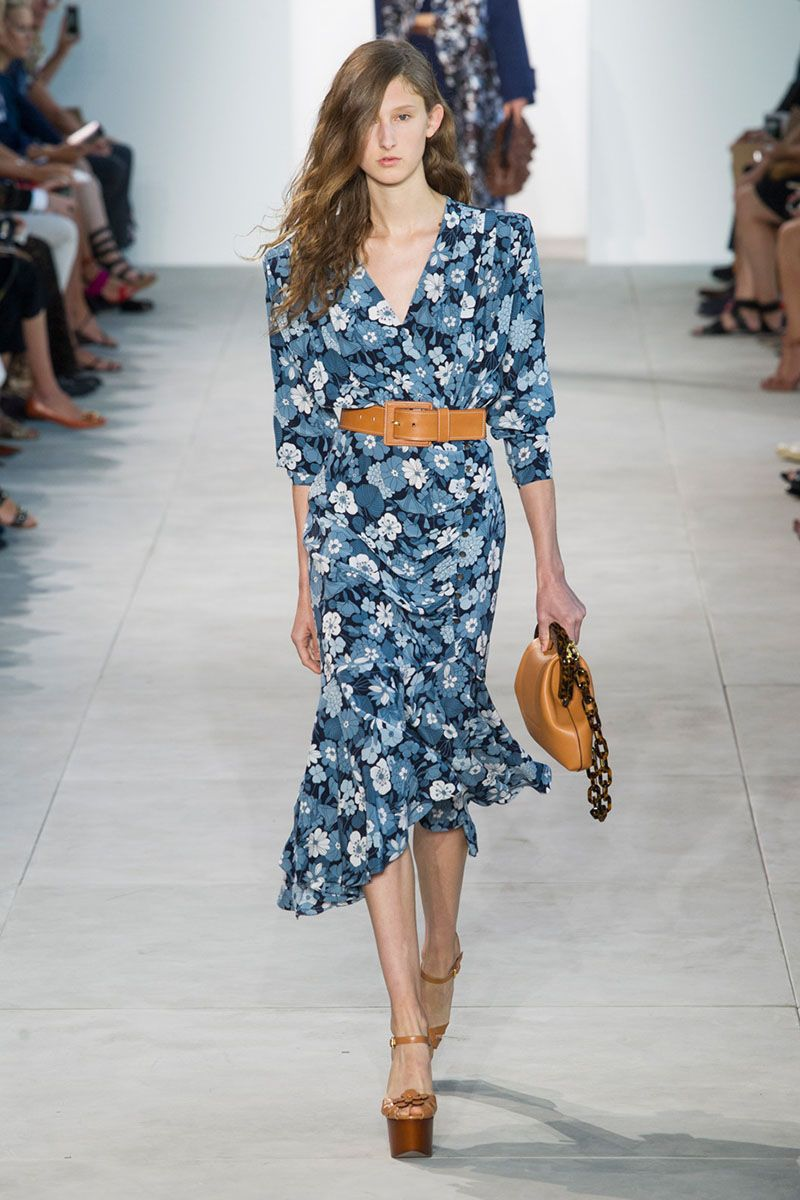 runway report 10 spring 2017 trends flower spring and ss 17