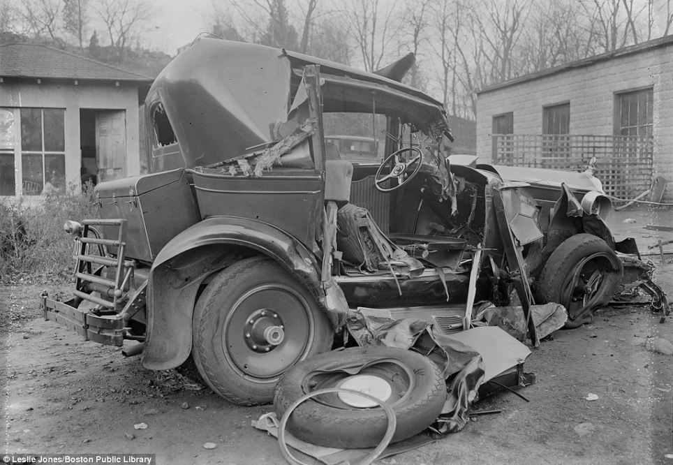 Vintage Photos of Auto Accidents in Boston (1920s-1950s) | Leslie ...