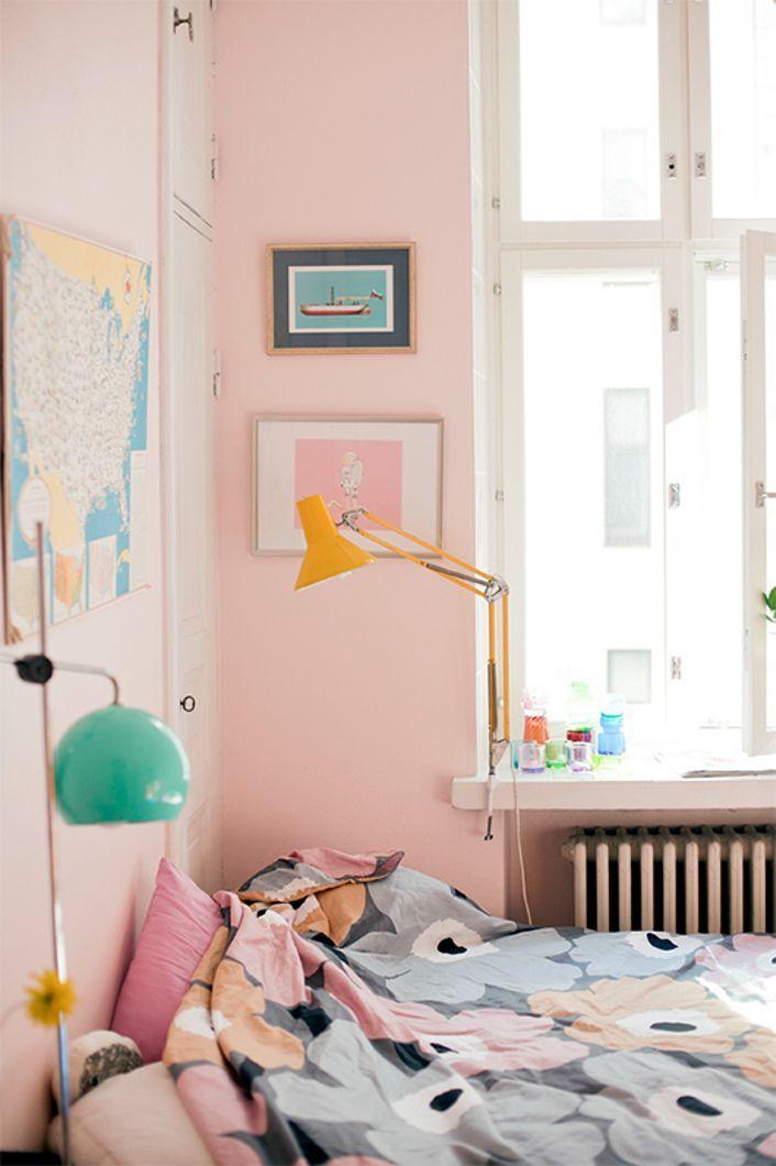 pink walls w yellow u0026 mint Sprde
