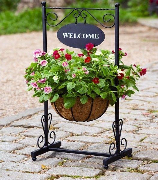 Metal Garden Welcome Planter Hanging Flower Pot Stand Outdoor Basket Decoration Plant Stand Flower Pots Planters