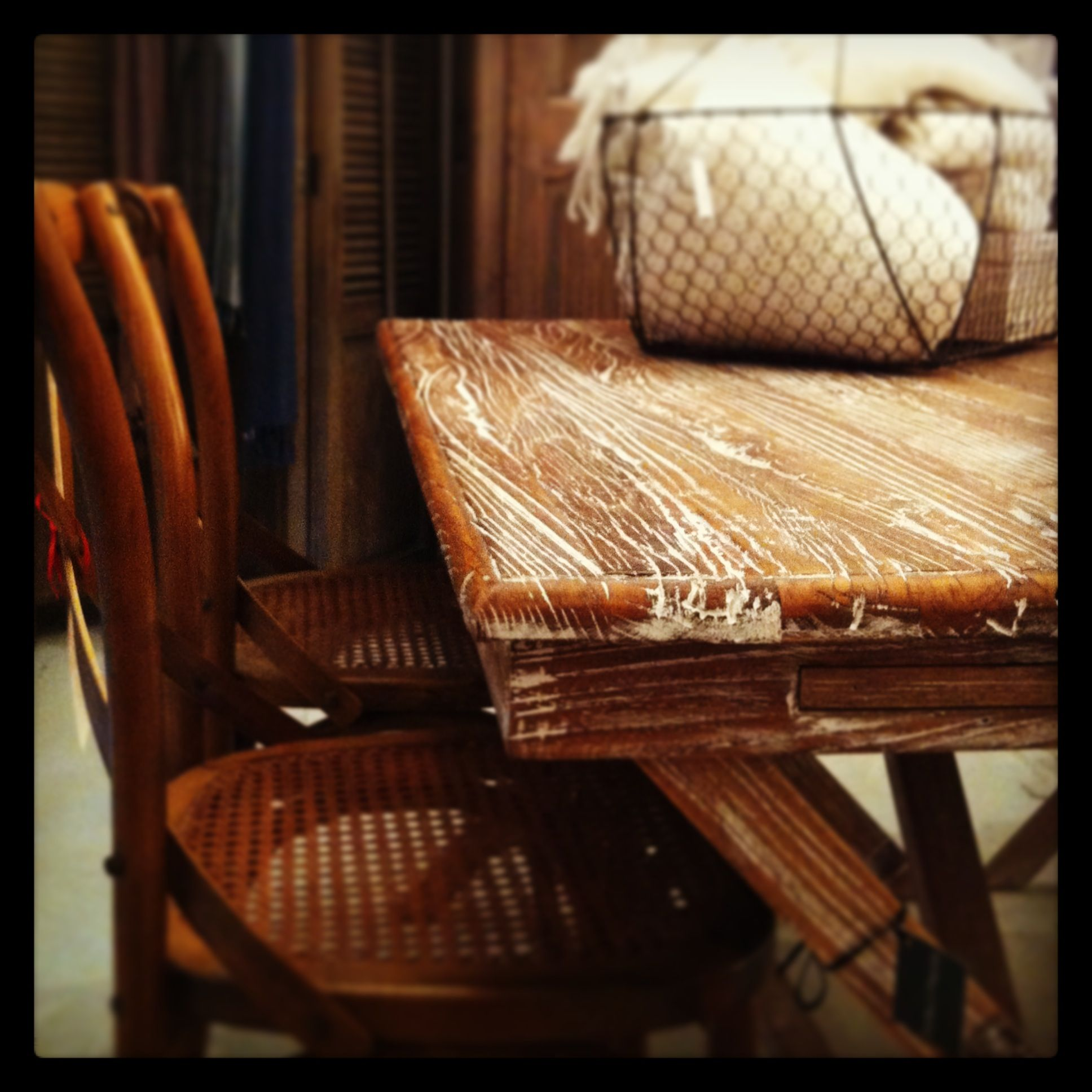 shelter from the rain at your cosy palmer desk perfect for any home rh pinterest com