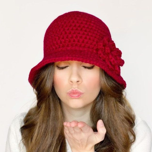cappello cloche rosso | Pasquale | Pinterest | Gorros, Damas y Ganchillo