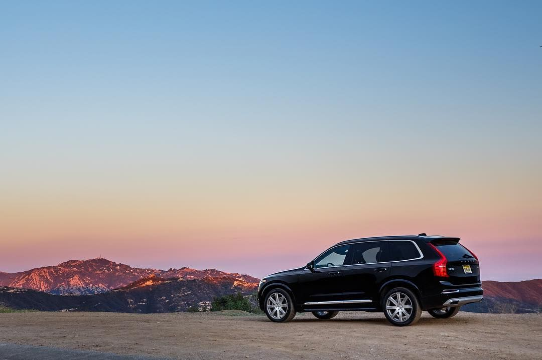 the volvo xc90 is the best luxury 3 row suv for families the xc90 rh pinterest co uk