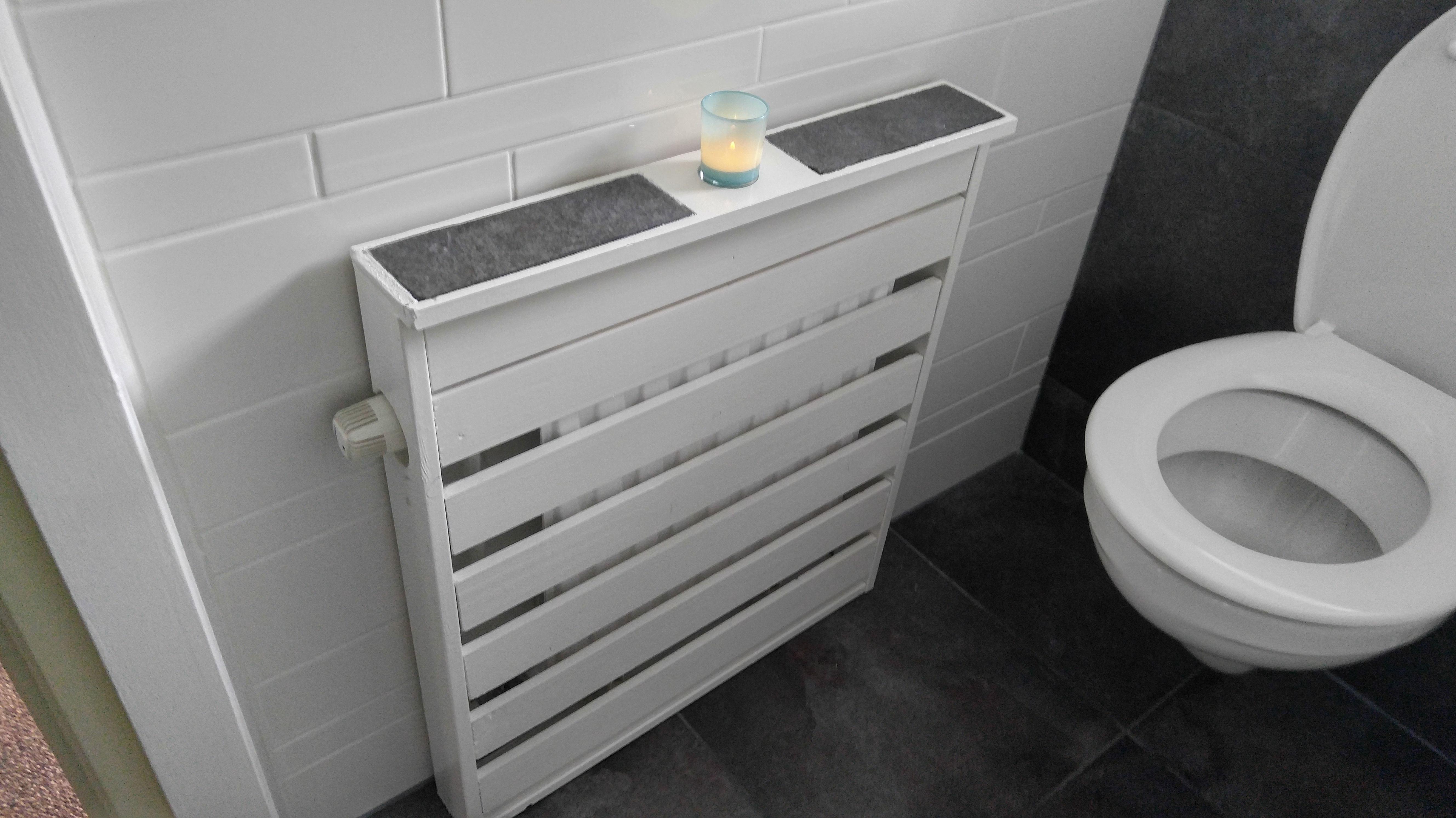 Radiator Voor Toilet : Zelfbouw radiator ombouw ingelegd met stukken vloertegel om