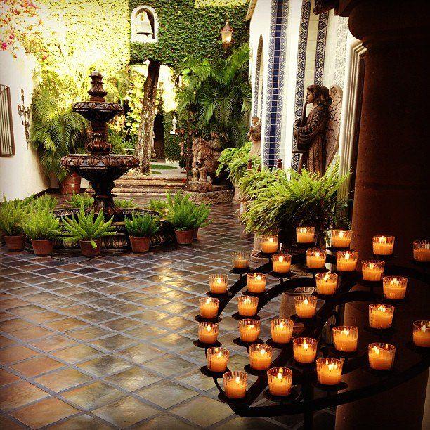 Hermoso patio al estilo mexicano con loseta de barro - Patios con estilo ...
