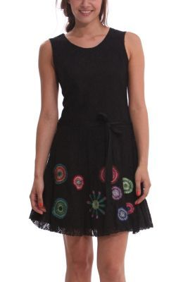 83311736ae2 Vestido de encaje negro de mujer Desigual modelo Aly. Corte evasé