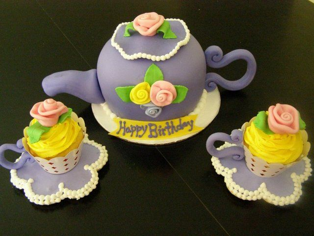 Teapot themed Cake and Cupcakes