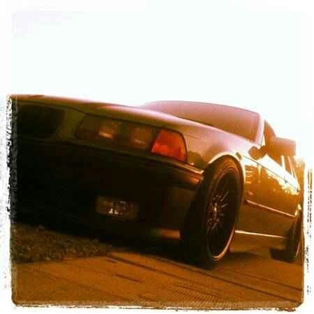 Bmw E36 Sedan Dropped On Black 17 Style 32s Nice Stance