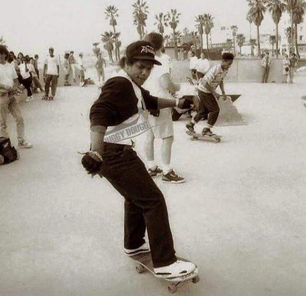 Eazy E Skateboarding In Venice Beach 1989 Venice Beach Gangsta Rap Hip Hop
