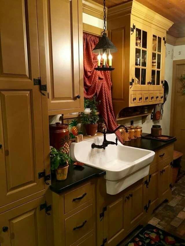 Mustard cabinets in a prim kitchen #PrimDecor | Farmhouse ...