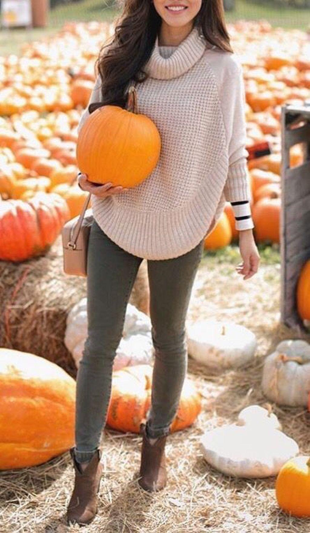 38 Inspiring Women Khaki Sweater Outfit Ideas Best For Fall And Winter Season #pumpkinpatchoutfitwomen
