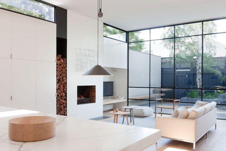 Grande baie vitrée dans une maison australienne