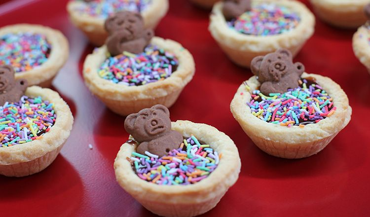 How to make Tiny Teddy Chocolate Tarts. Try our Baking Editor Elise Strachan's tasty teddy biscuits with this easy recipe the kids will love. #bakesaleideas