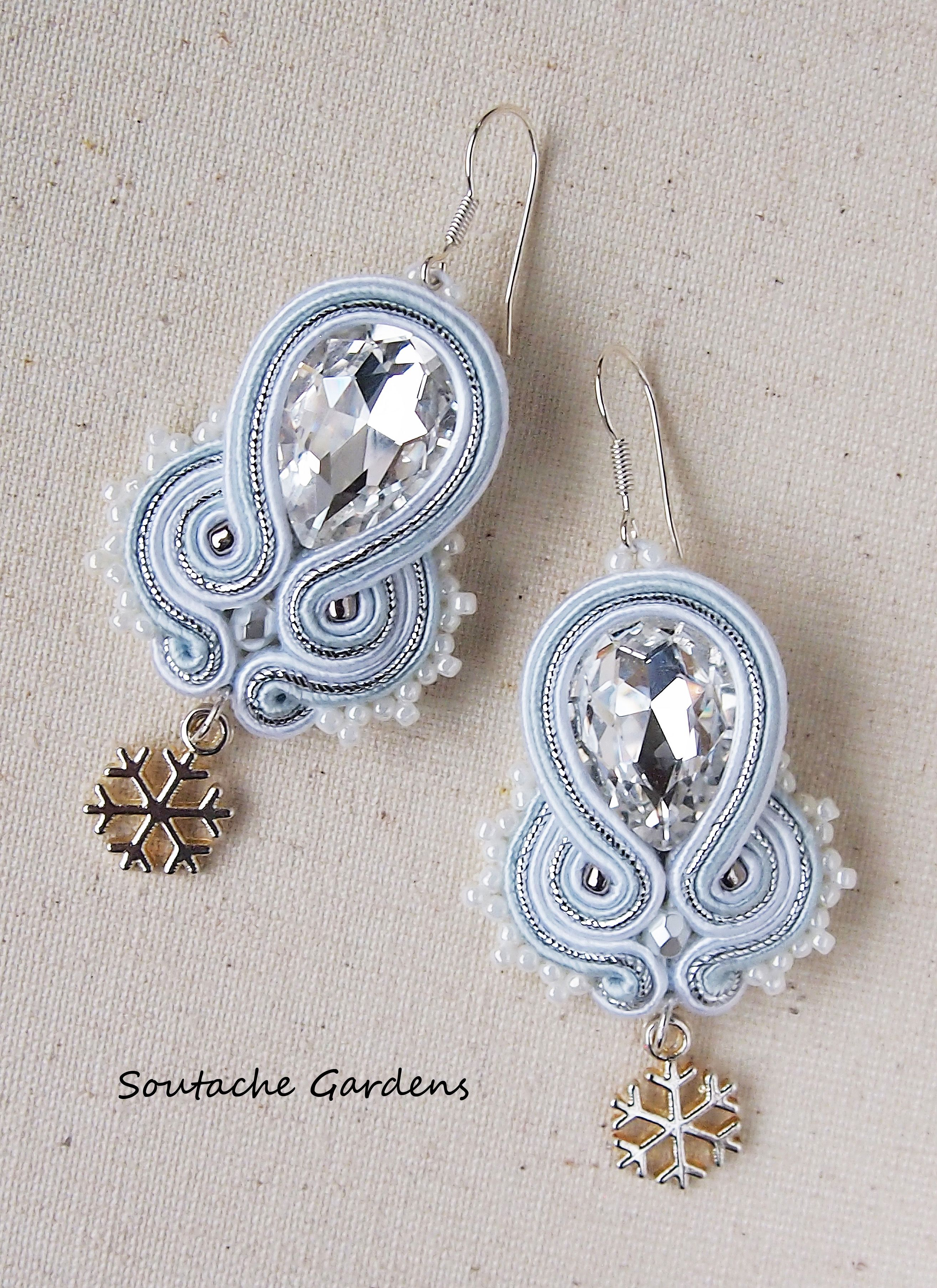 papercraft silk designs pinterest crafty my jewelry thread by accessories homemade crafts jewerly pin ramapriya jayaraman paint beads on hair diy quilling earrings paper