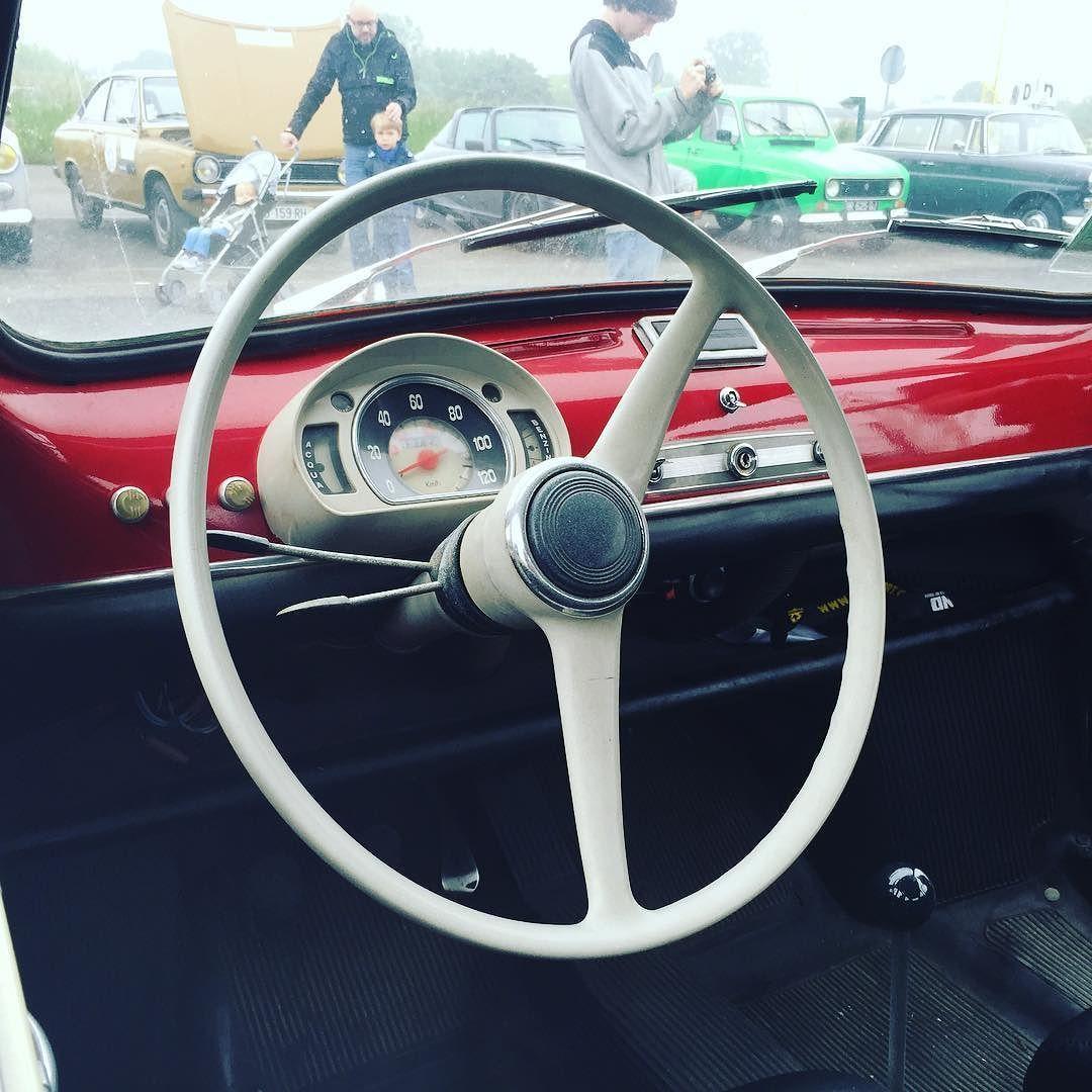 #Fiat #fiat600 #oldcar #oldtimer #classiccar #retro #vintage #vintagecar by dw_jacson