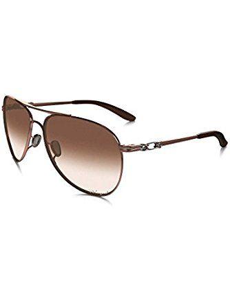 c800a7789a8 Amazon.com  Oakley Women s Daisy Chain Rose Gold Brown Gradient Polarized  Sunglasses  Clothing
