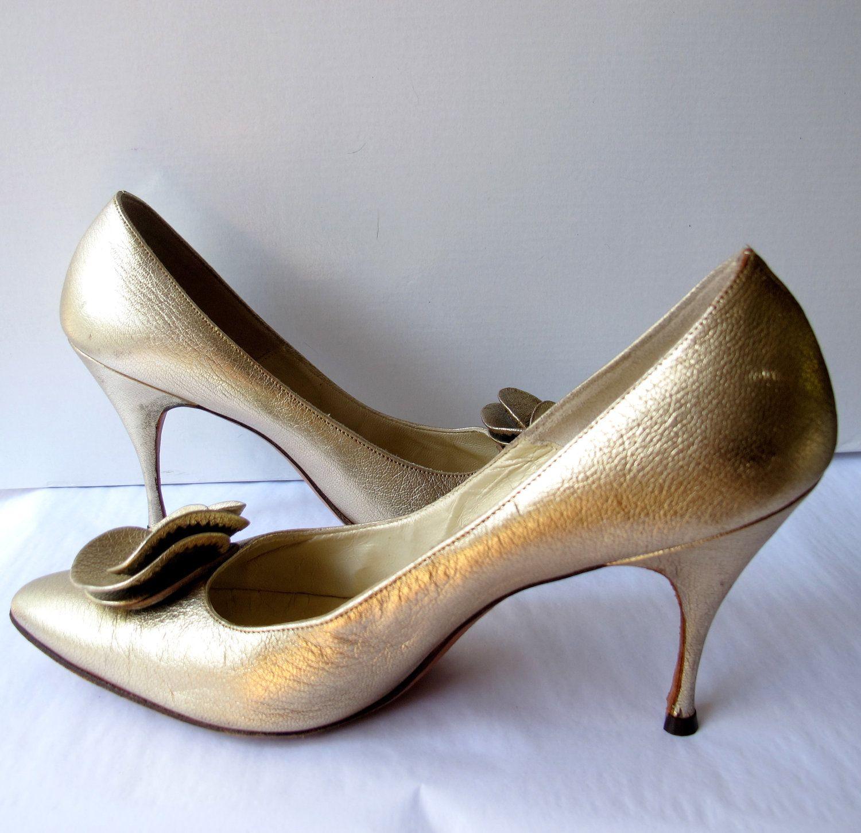 fdd375fe0f02d Vintage 1950's Matt Gold Stiletto Heels Shoes by Mr. Seymore, size 7 ...