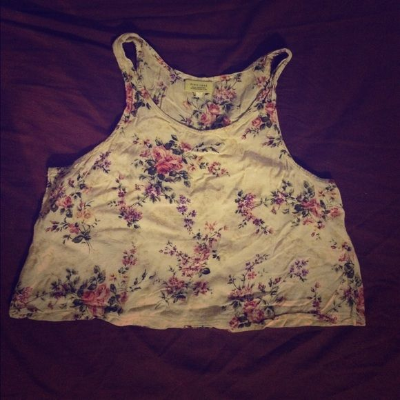 Floral crop top Really cute. Its cropped (stops on belly button) its not too tight, fits just right. Its wrinkled because i haven't wore this in so long Necessary Clothing Tops Crop Tops